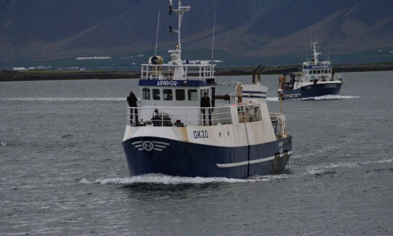 Рыболовное судно тамбей